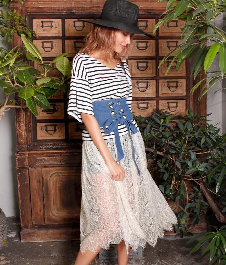 タックフレアTシャツ+レーススカートセット(トップス/スカート) | ANAP