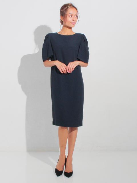 ●ツイスト&フレアースリーブサックドレス