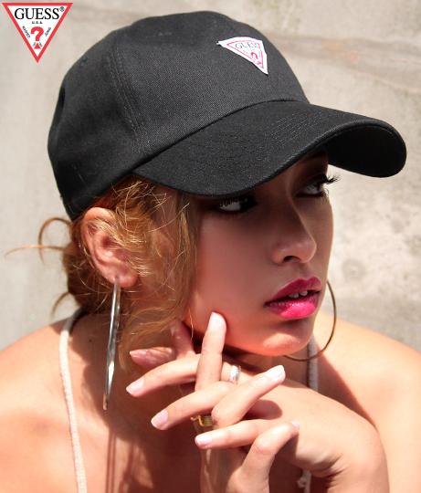 【新色追加】GUESS TRIANGLE LOGO CANVAS 6 PANEL CAP