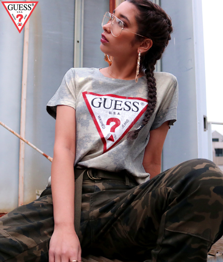 GUESS BLEACH WASH TRIANGLE LOGO TEE