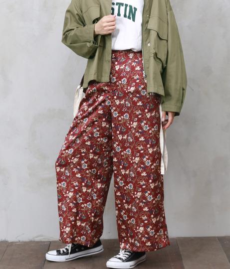 花柄サテン調花柄パンツ