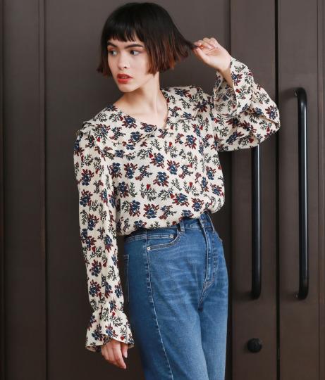 花柄フリルシャツ