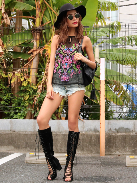 GUESS CASSIA EMBROIDERED MESH TANK