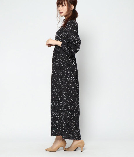 ドットロングワンピース(ワンピース・ドレス/ロングワンピ・マキシ丈ワンピース) | AULI
