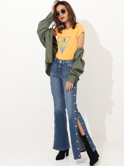 GUESS 1981 HIGH-RISE FLARED JEANS