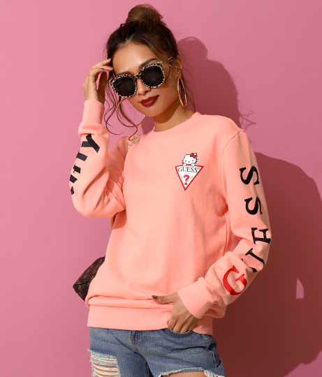[GUESS x Hello Kitty] SLEEVE LOGO CREW SWEAT | GUESS