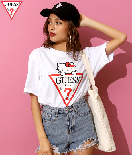 [GUESS x Hello Kitty] TRIANGLE LOGO TEE