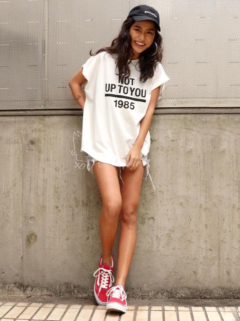 ロールアッププリントTシャツ