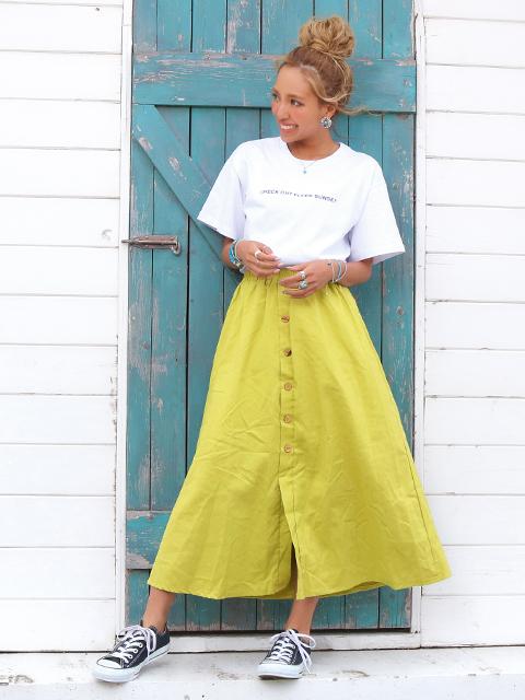 麻混ウッドボタンフレアスカート