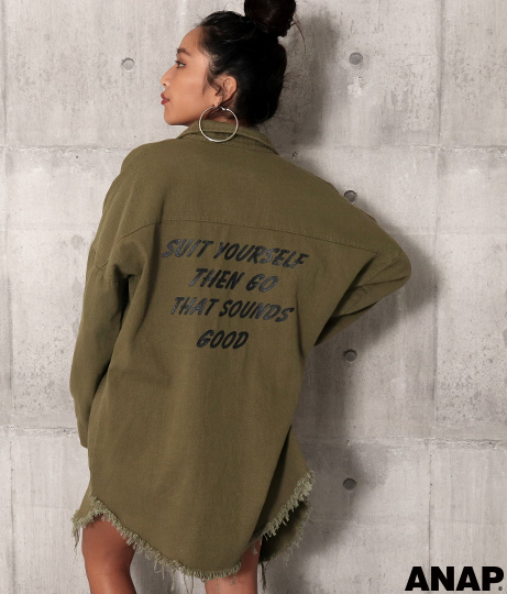 バックプリントミリタリーシャツ