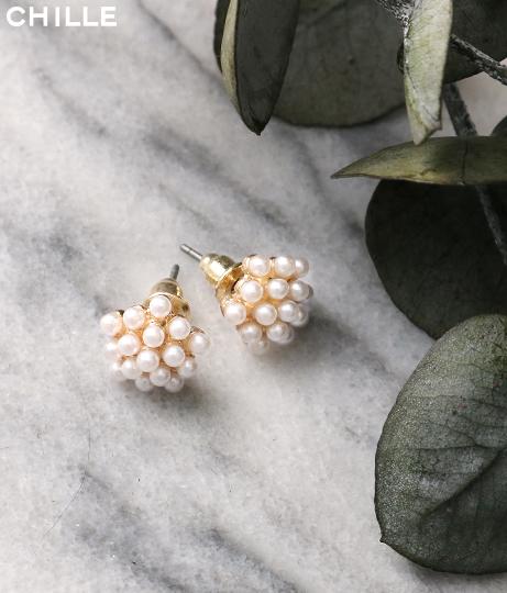 お花モチーフパールミニピアス