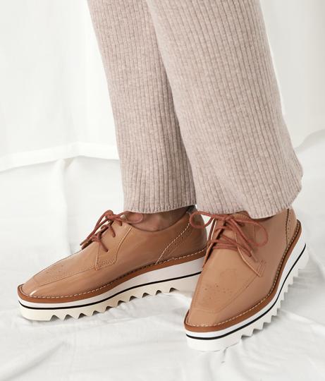 エナメルスクエアートゥーレースアップシューズ(シューズ・靴/スニーカー) | Settimissimo
