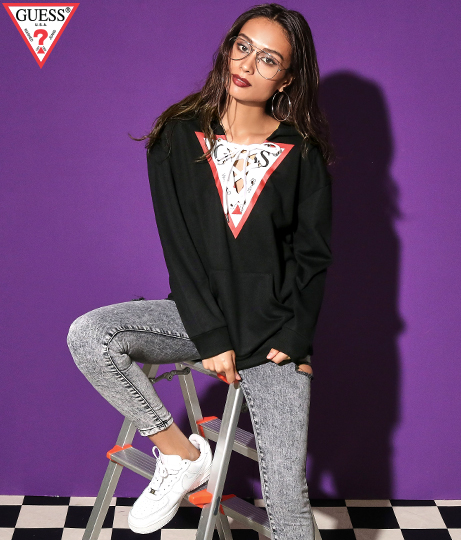 GUESS TRIANGLE FLEECE | GUESS