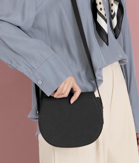 シンプルショルダーバッグ(バッグ・鞄・小物/ショルダーバッグ)   CHILLE