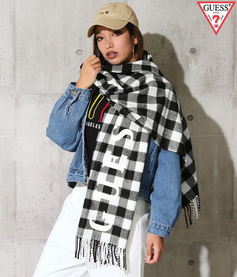 GUESS Knit Scarf Check