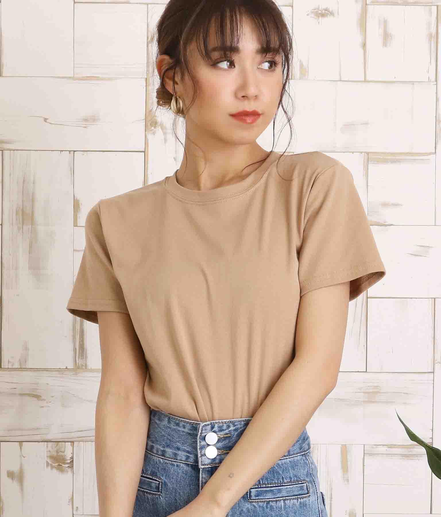 シンプルタイトTシャツ