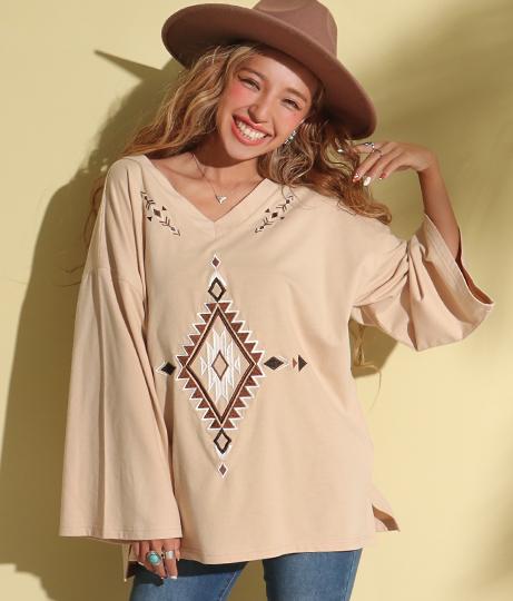 オルテガ刺繍フレアロングスリーブTシャツ