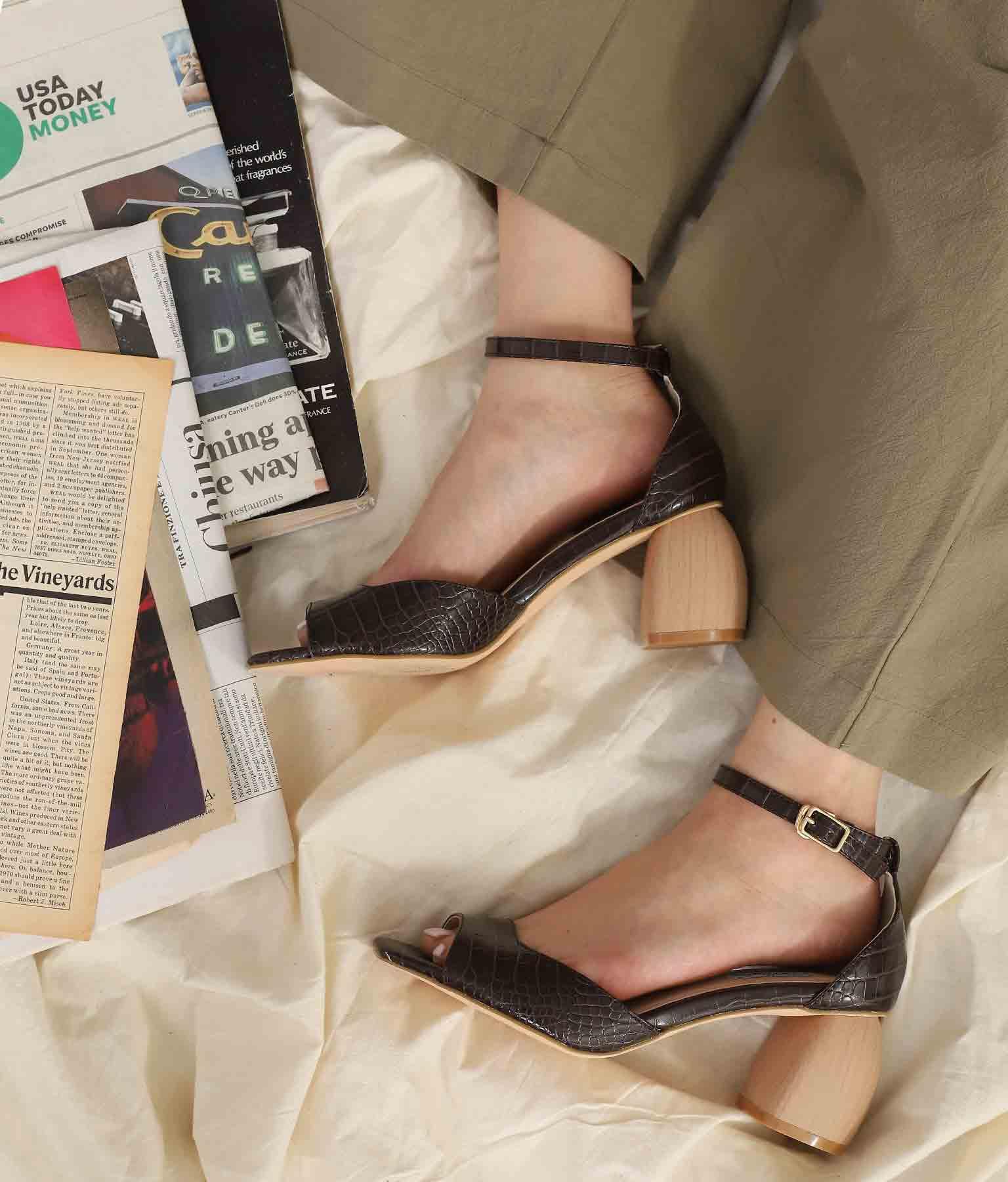 クロコダイル×ウッドヒールサンダル(シューズ・靴/サンダル)   Alluge