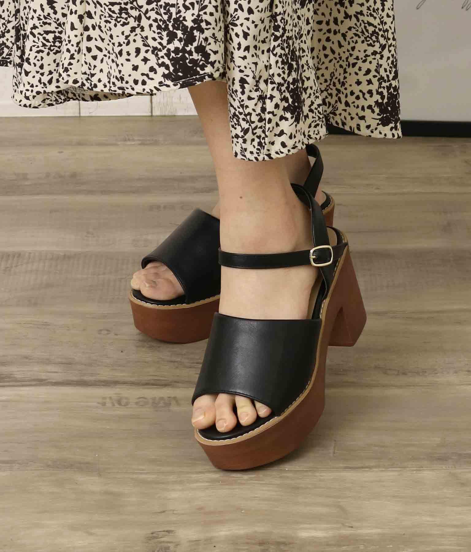 ウッドヒールパイピングサンダル(シューズ・靴/サンダル) | CHILLE