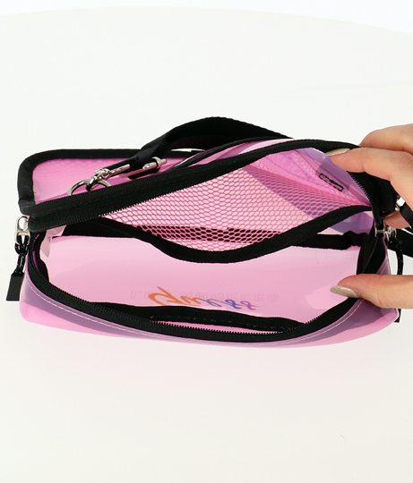 GUESS CROSSBODY BAG(バッグ・鞄・小物/クリアバッグ・ショルダーポシェット) | GUESS