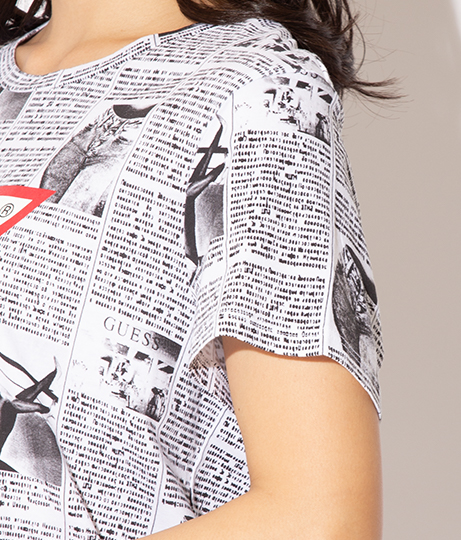 GUESS SS NEWS PRINT LOGO EASY TEE | GUESS