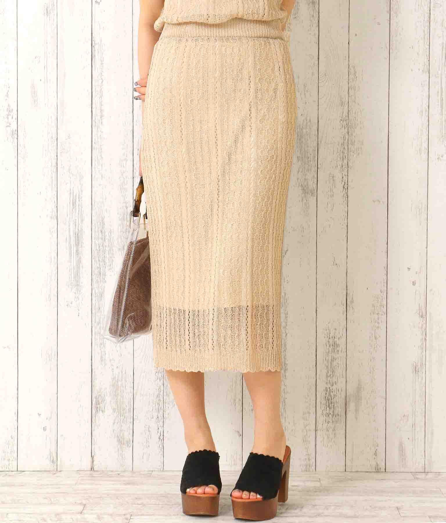 レース編みスカラップヘムスカート