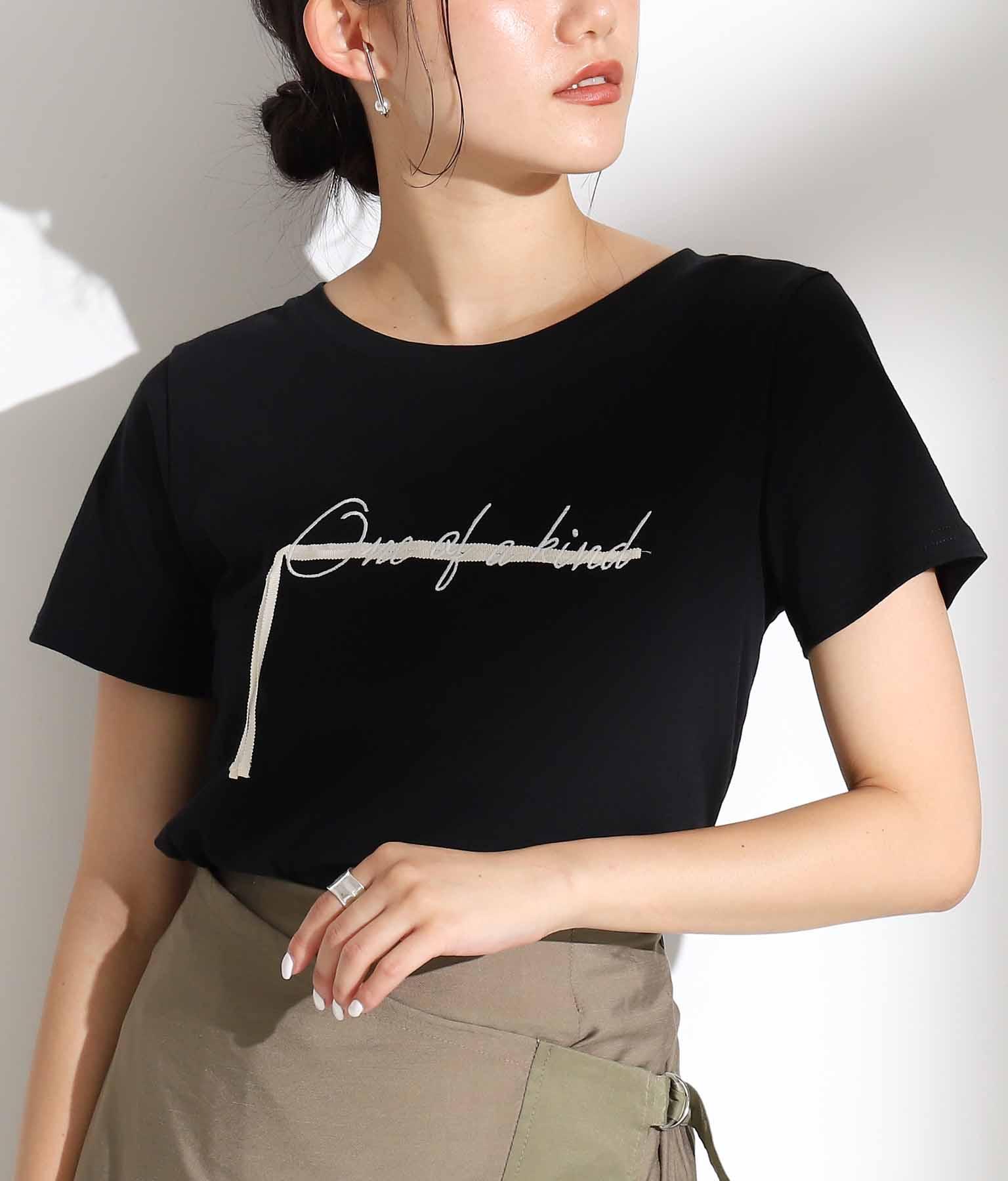 テープ×刺繍Tシャツ