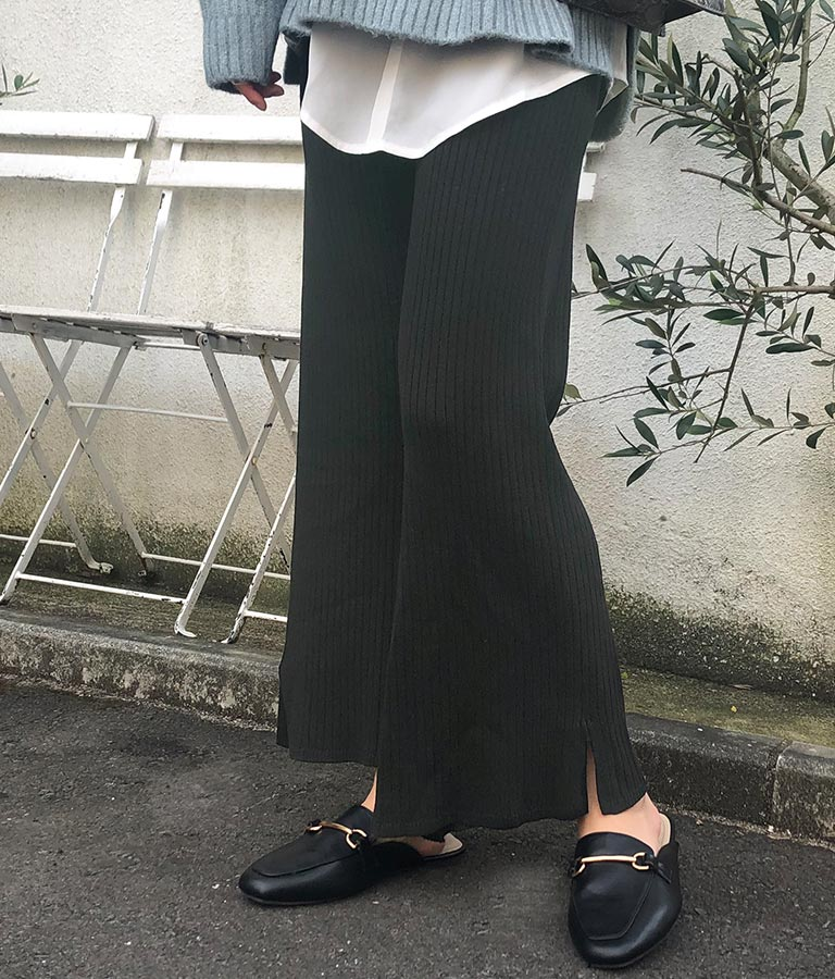 CHILLE anap リブニット裾スリット入フレアパンツ