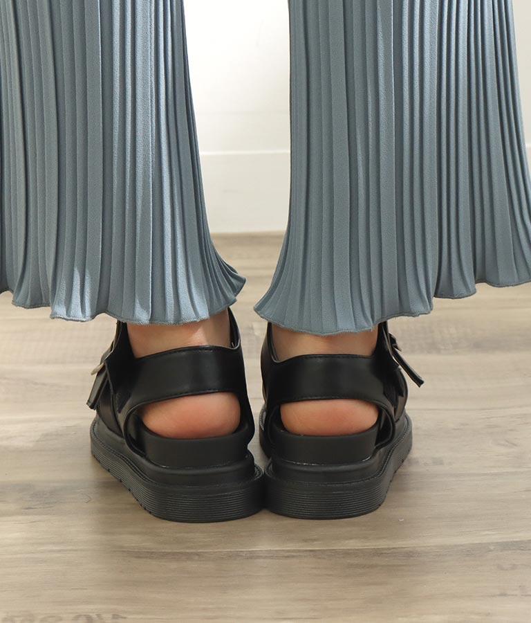 ベルト付きフラットソールサンダル(シューズ・靴/サンダル) | CHILLE