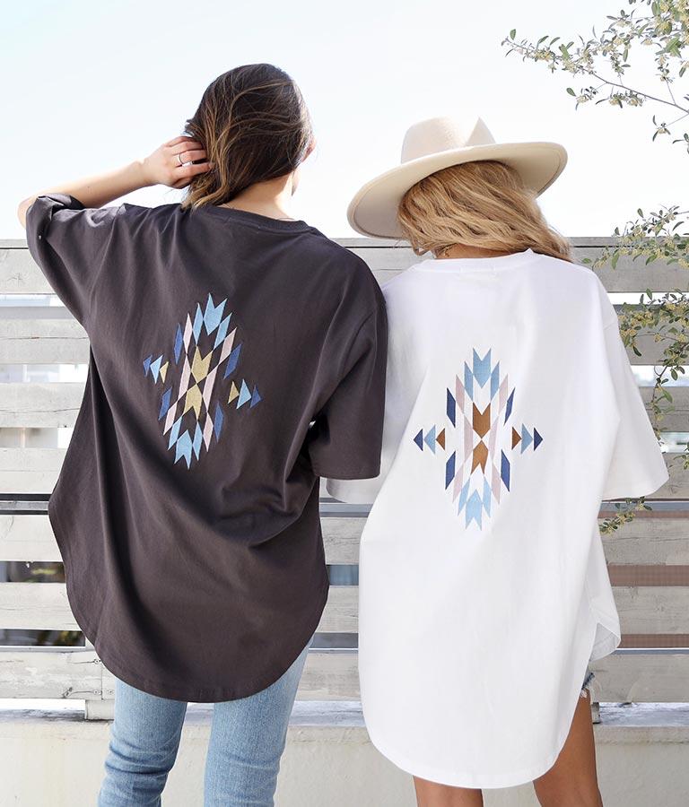 オルテガ刺繍ラウンドヘムビックTシャツ(トップス/Tシャツ) | anap mimpi