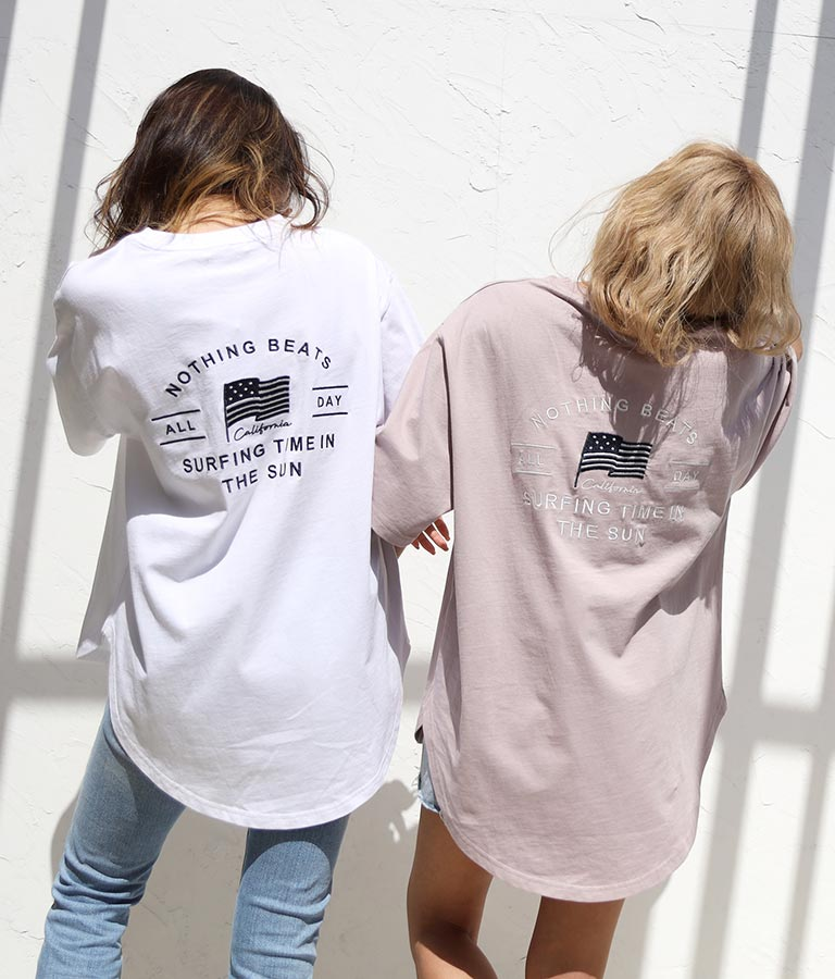 国旗刺繍ラウンドヘムビックTシャツ