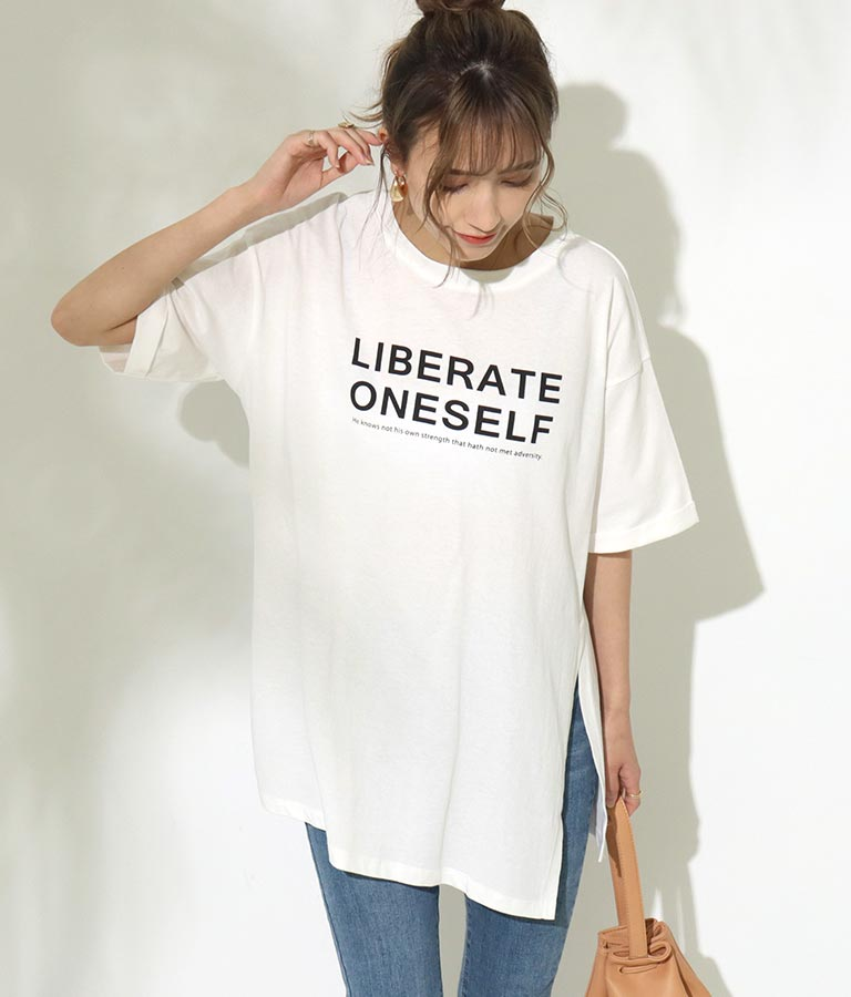 サイドスリットロゴプリントTシャツ