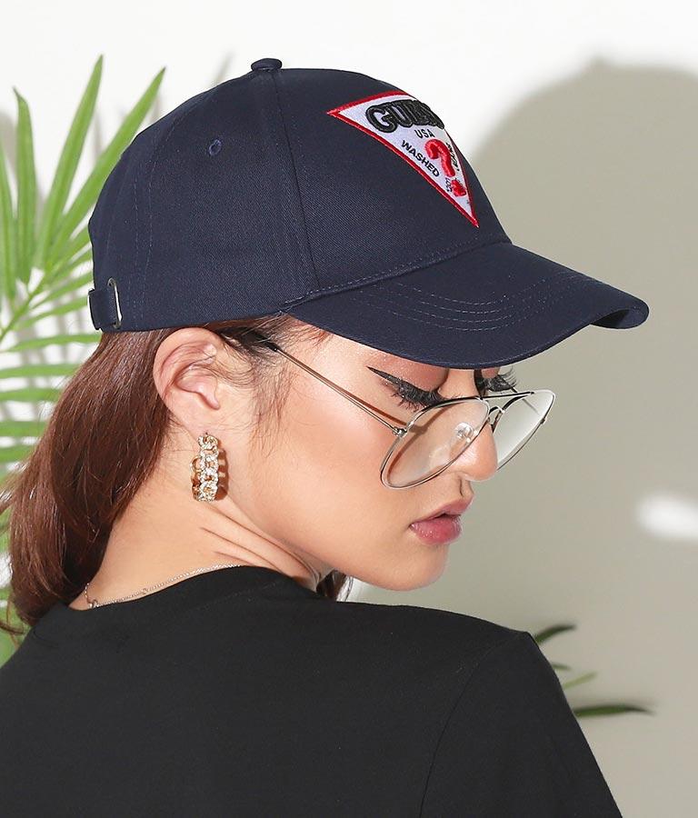 TRIANGLE LOGO CAP(ファッション雑貨/ハット・キャップ・ニット帽 ・キャスケット・ベレー帽) | GUESS