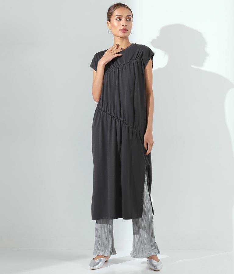 ギャザーデザインワンピース(ワンピース・ドレス/ロングワンピ) | Alluge