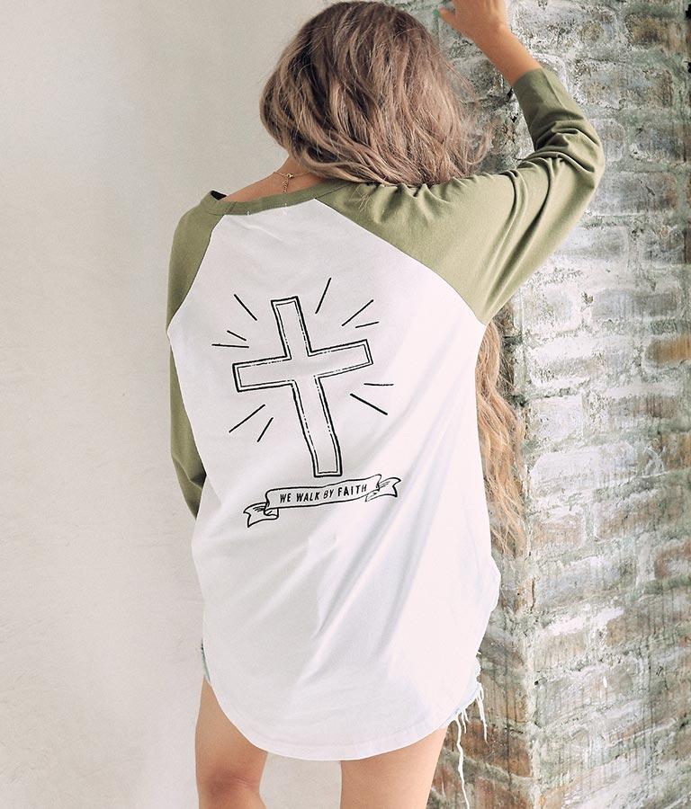バッククロス刺繍ラグランロングTシャツ