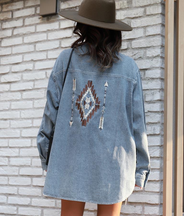 オルテガ刺繍ケミカルデニムシャツ