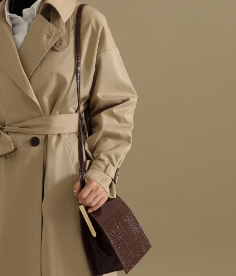 クロコ柄スクエアロックショルダーバッグ(バッグ・鞄・小物/ショルダーバッグ) | AULI