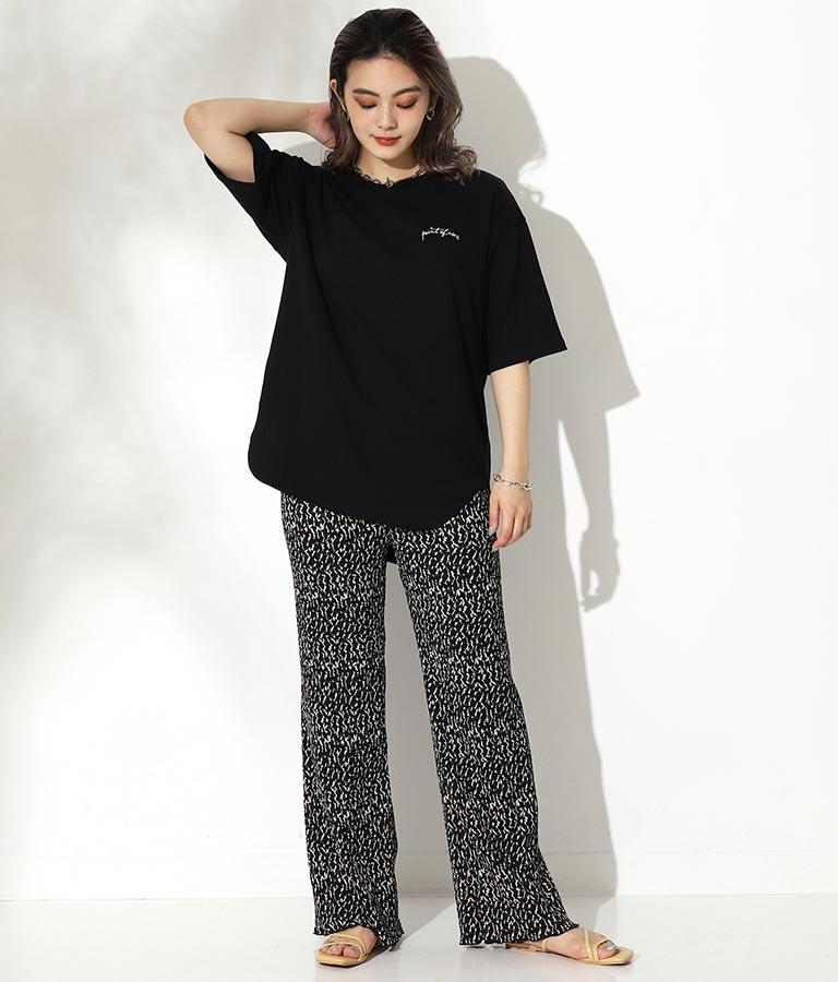 筆記体ラウンドTシャツ(トップス/Tシャツ) | CHILLE
